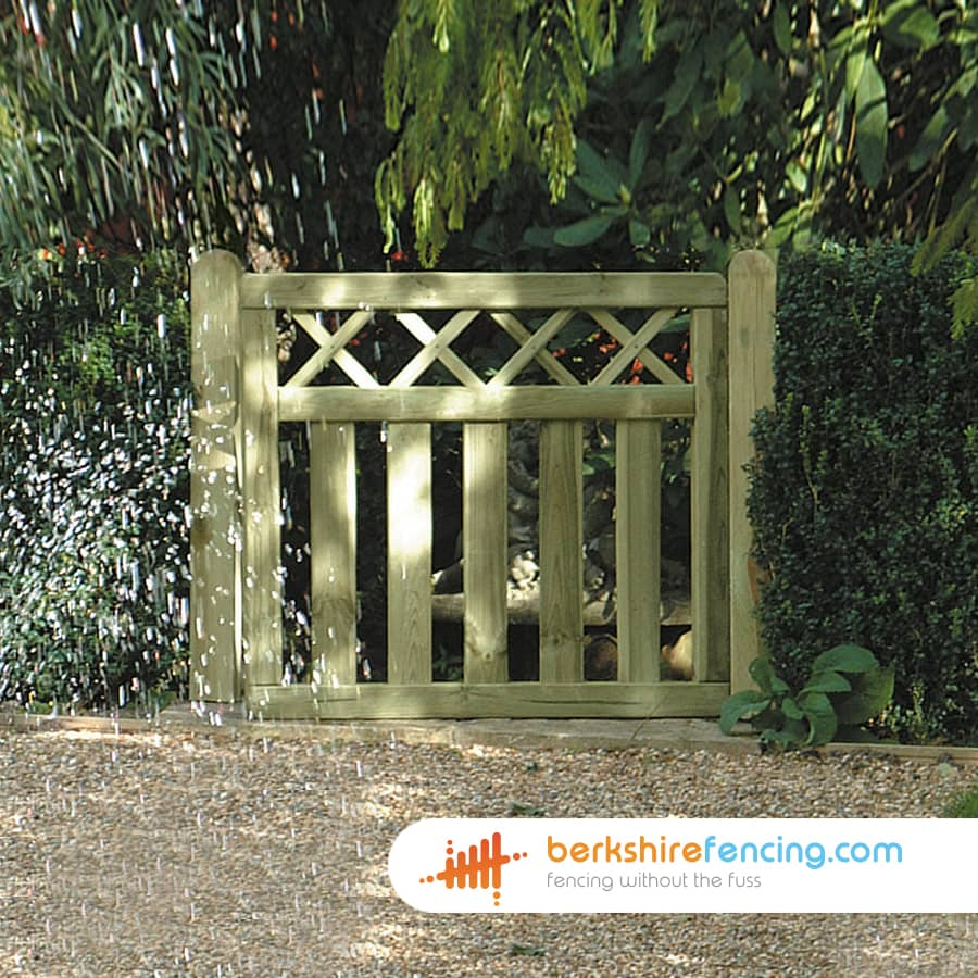 Cross Top Smooth Planed Decorative Gate 900mm X 900mm