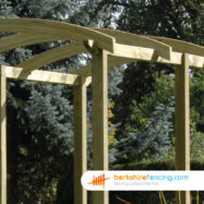 Pergola Slotted Post (3) 2700mm x 100mm x 100mm natural