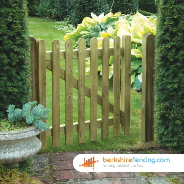 brown Round Top Picket Gates 90cm x 120cm x 2cm