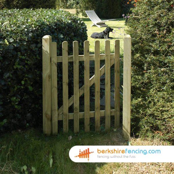 Garden Round Top Picket Gate 900mm x 1200mm x 50mm natural